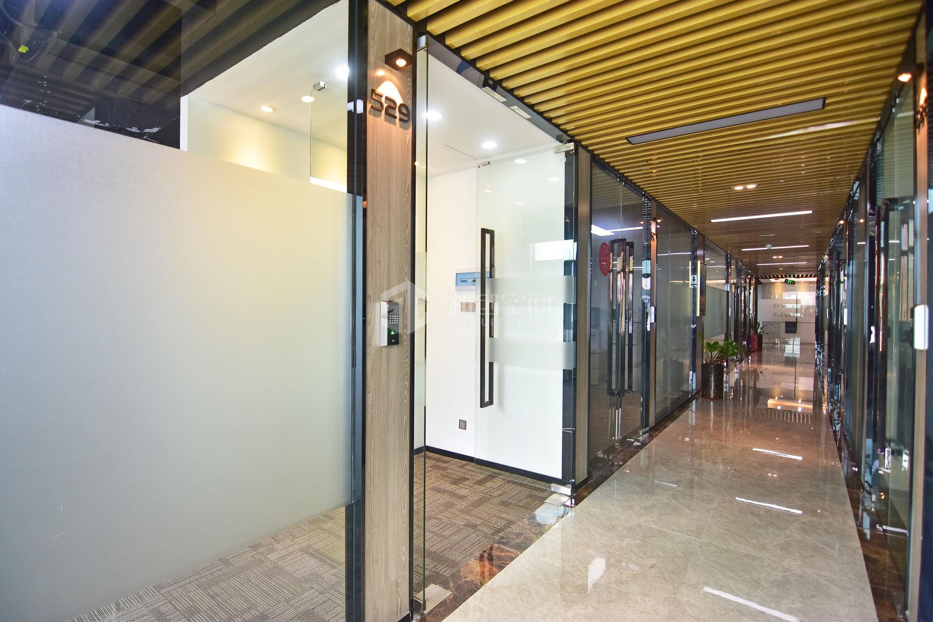 深圳虚拟大学园120㎡精装办公室出租7800元/月