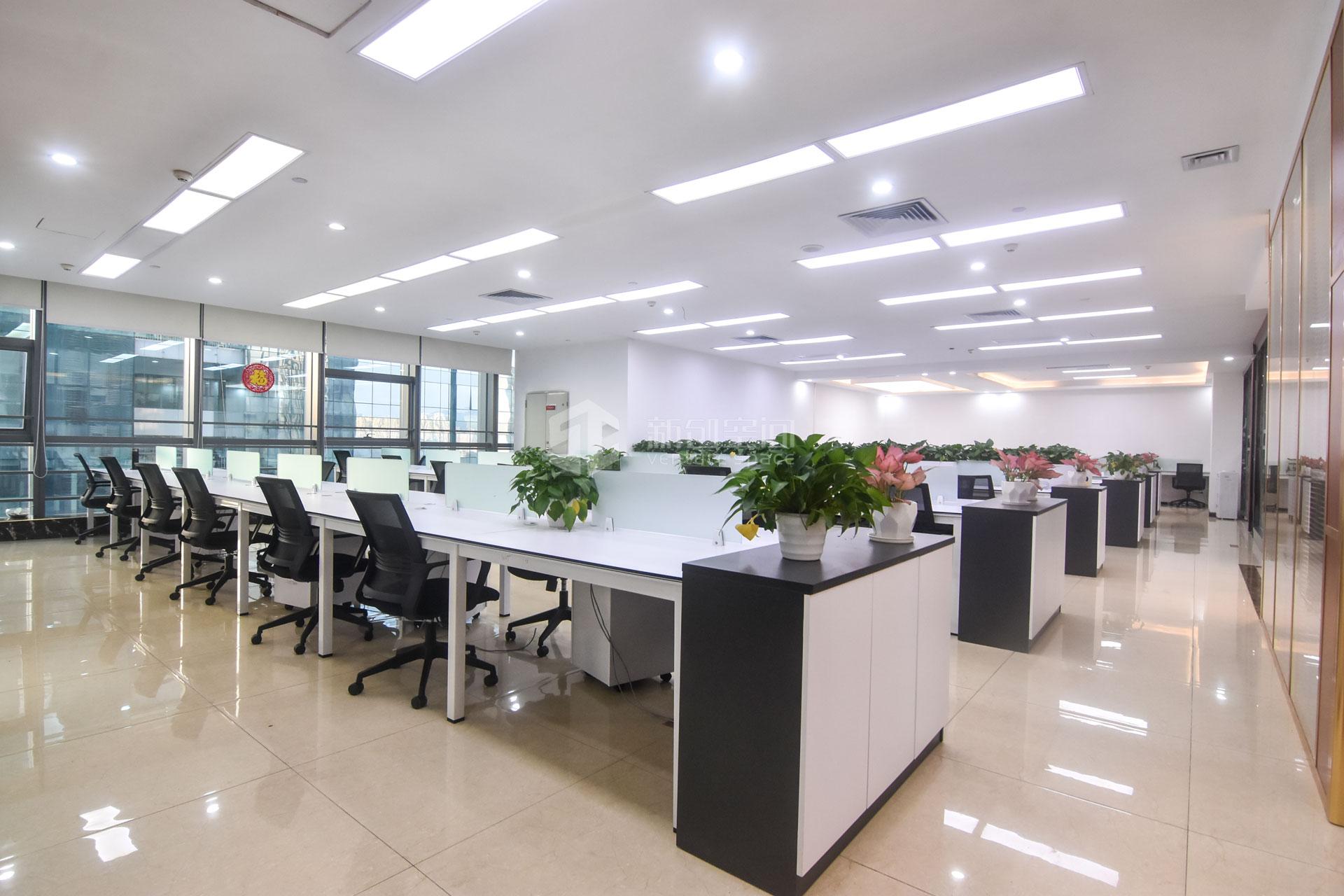 粤美特大厦660㎡精装办公室出租49500元/月