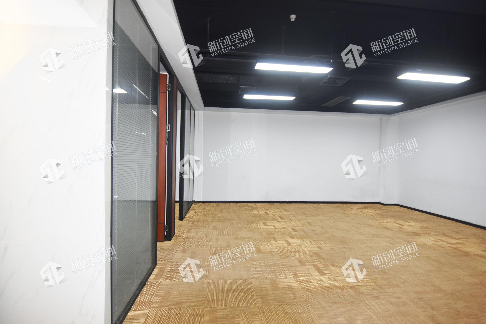 深圳虚拟大学园194㎡精装办公室出租12610元/月
