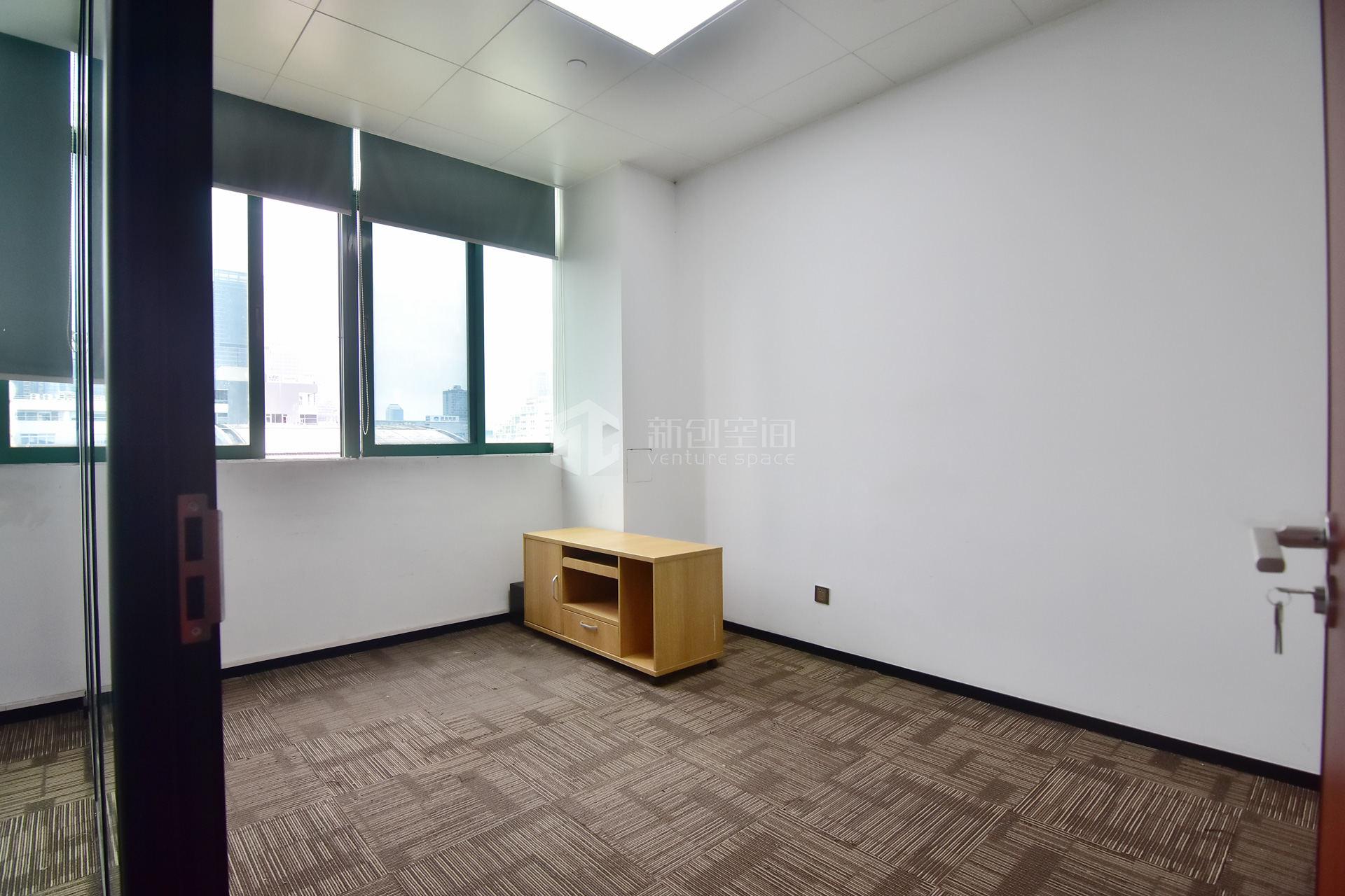 深圳虚拟大学园197㎡精装办公室出租12805元/月