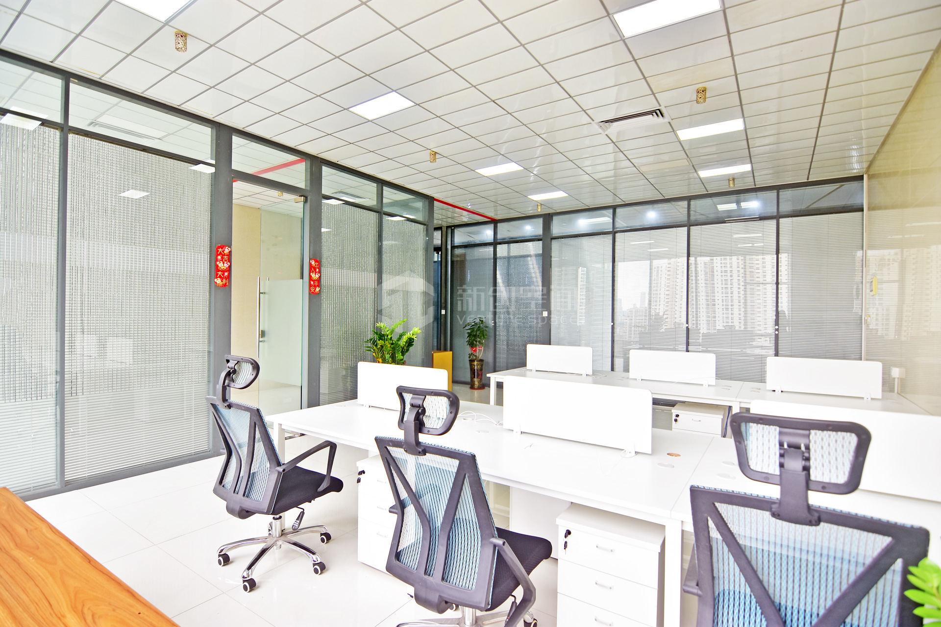 智慧广场177m²办公室出租15222元/月