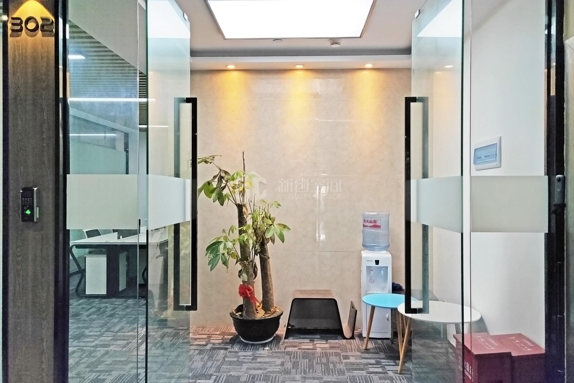 高新技术产业园111m²办公室出租7215元/月