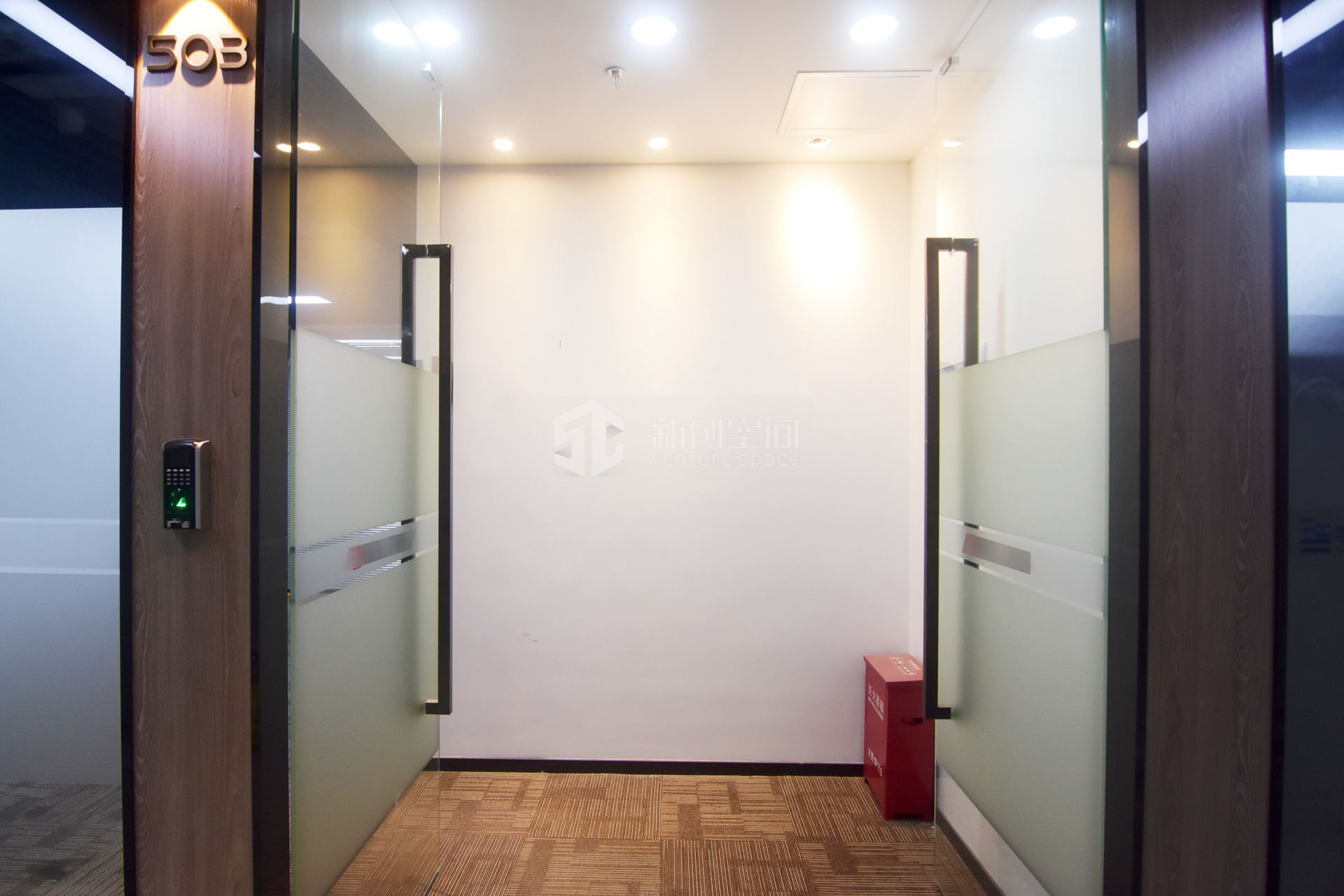 高新技术产业园134㎡精装办公室出租8710元/月