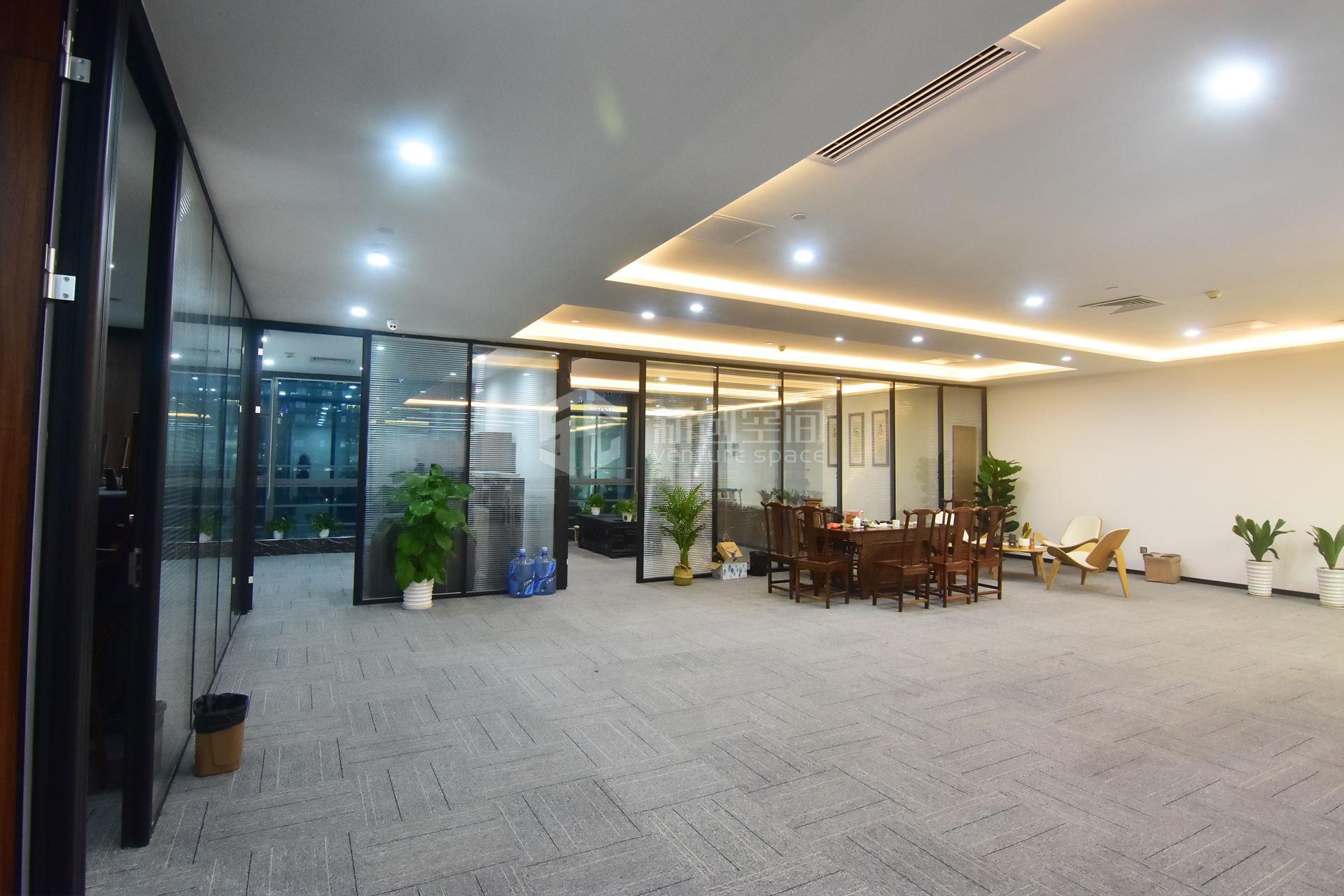 粤美特大厦942m²办公室出租65940元/月
