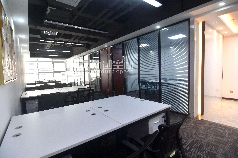 德维森大厦246㎡精装办公室出租14760元/月