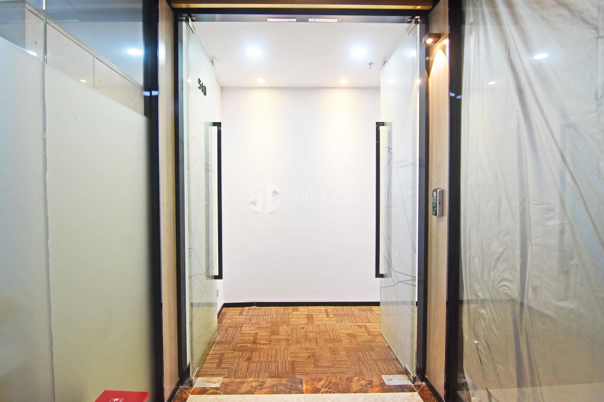 深圳虚拟大学园140㎡精装办公室出租9100元/月