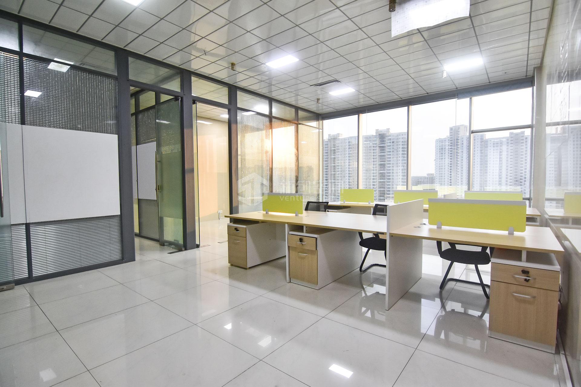智慧广场183m²办公室出租18300元/月
