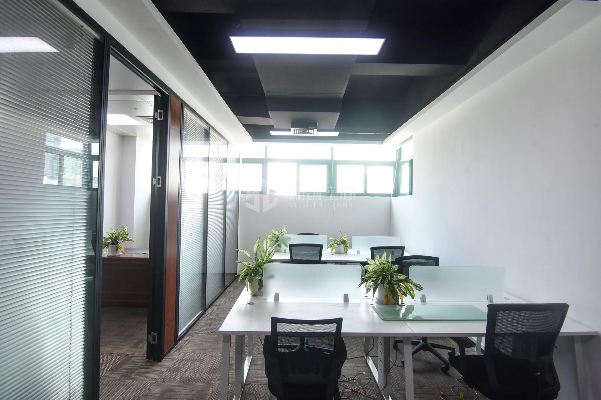 高新技术产业园102m²办公室出租6630元/月