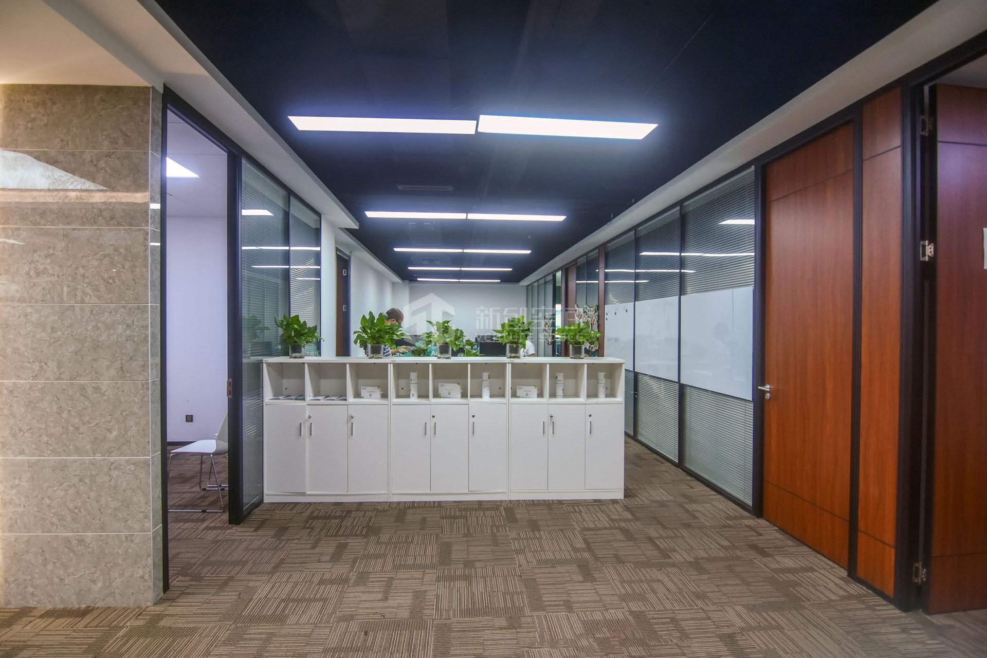 高新技术产业园448m²办公室出租33600元/月