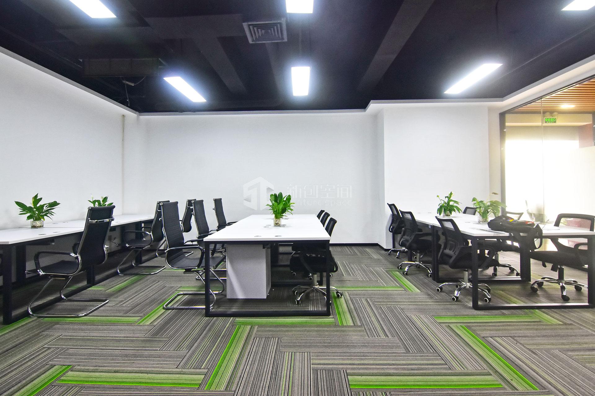 高新技术产业园150m²办公室出租11250元/月