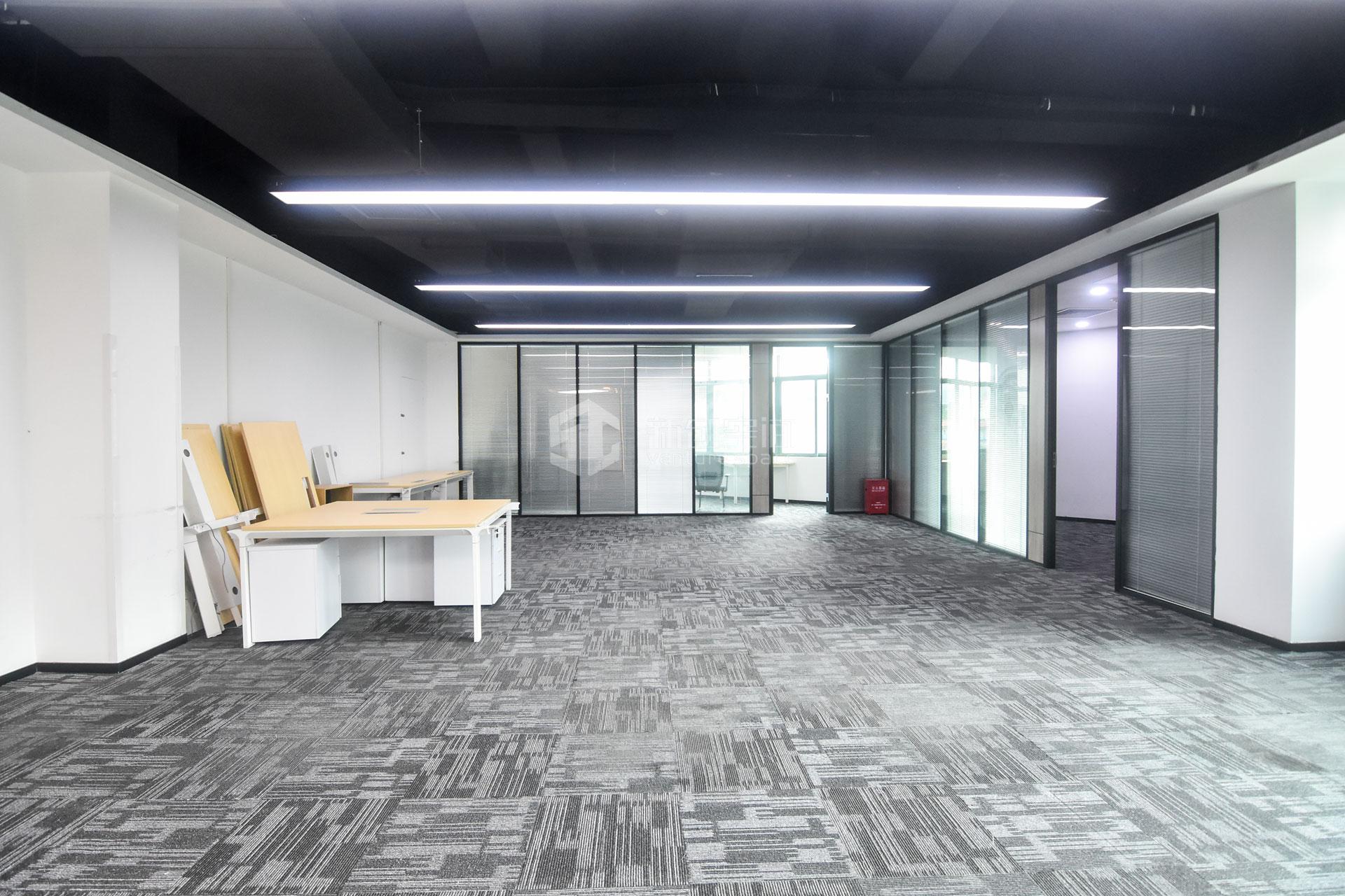 高新技术产业园374m²办公室出租25432元/月