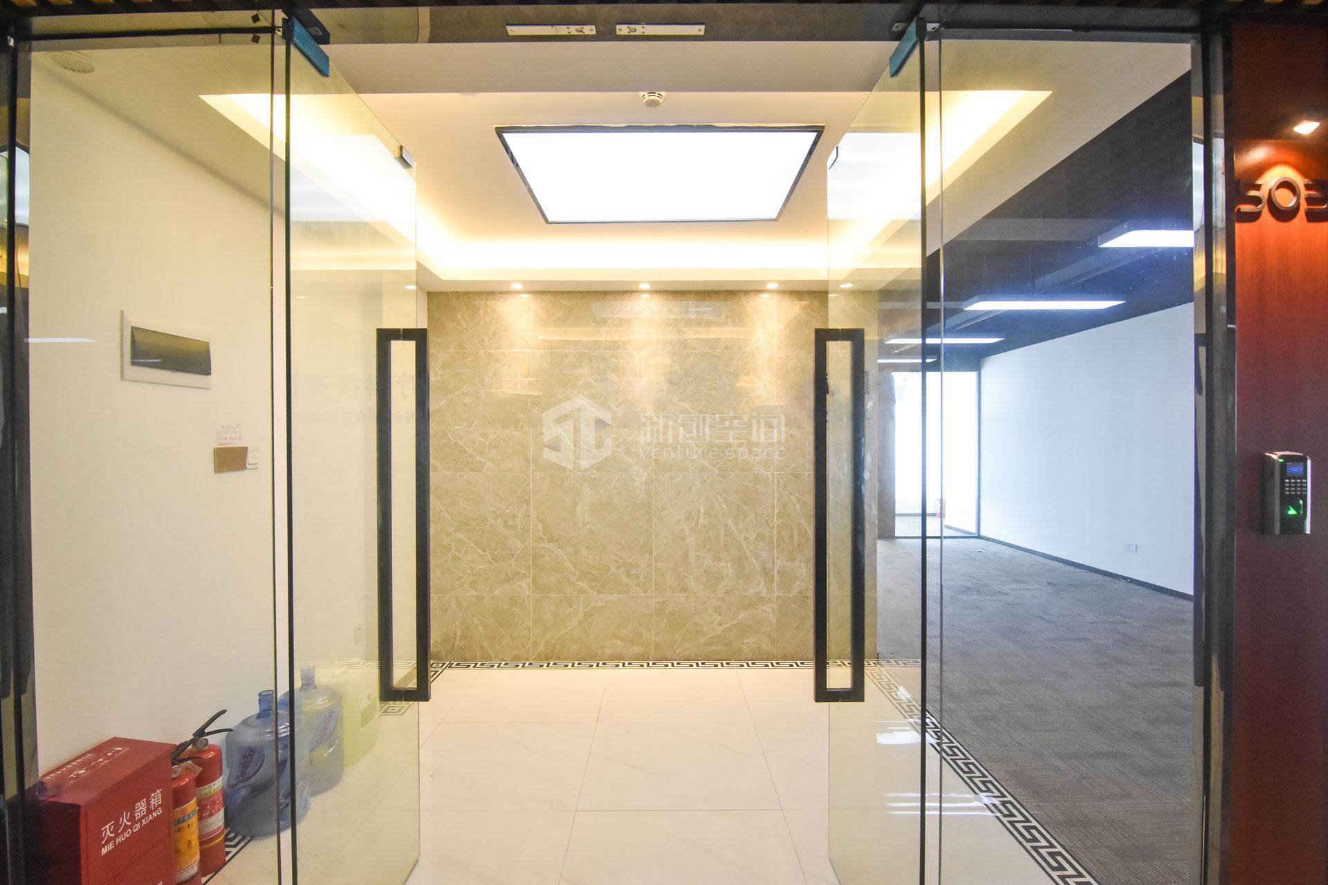 长园新材料港195m²办公室出租12675元/月